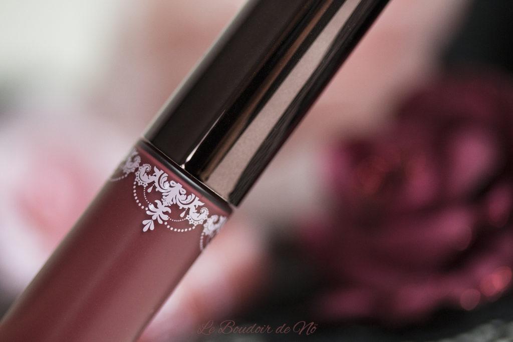 Girlactik Beauty Matte Lip Paints Packaging Detail