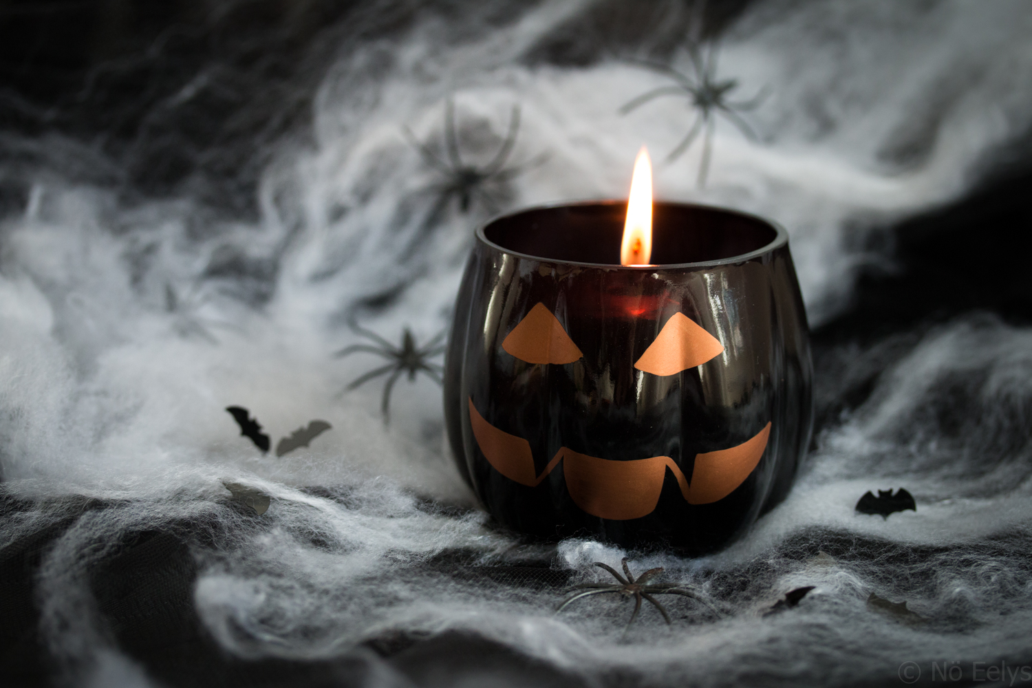 Photo du photophore citrouille de la collection Halloween Yankee Candle 2017, bougies Forbidden Apple et Witches Brew, revue, avis