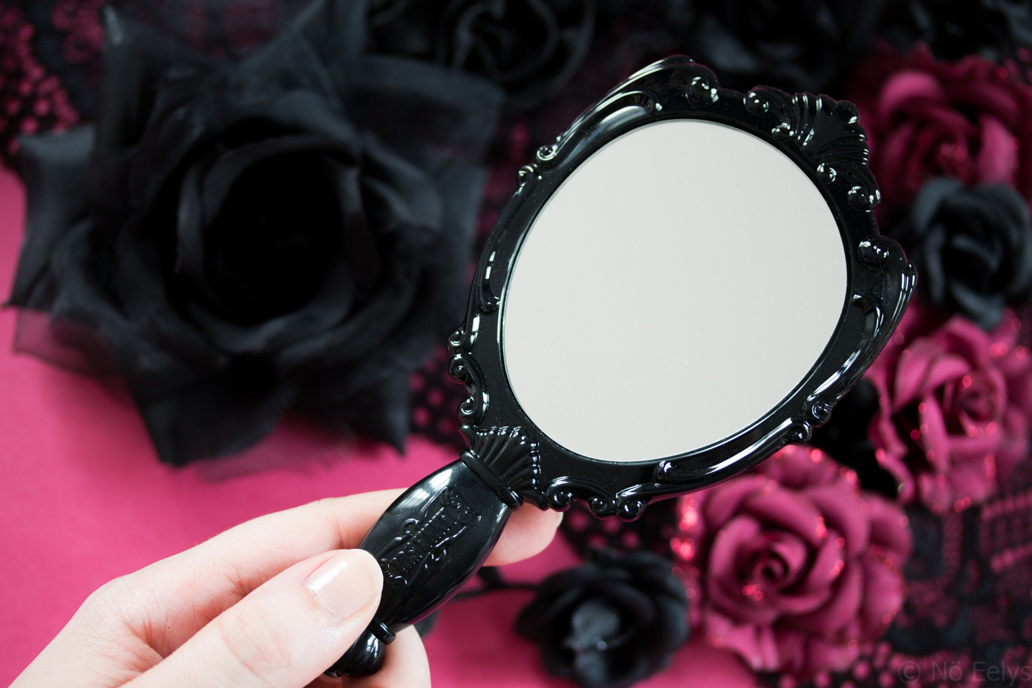 Photo du miroir Anna Sui Anna Sui hand mirror