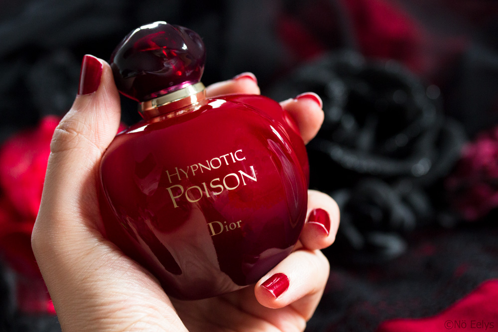 Photo du flacon de parfum Hypnotic Poison dans ma main, eau de toilette Dior