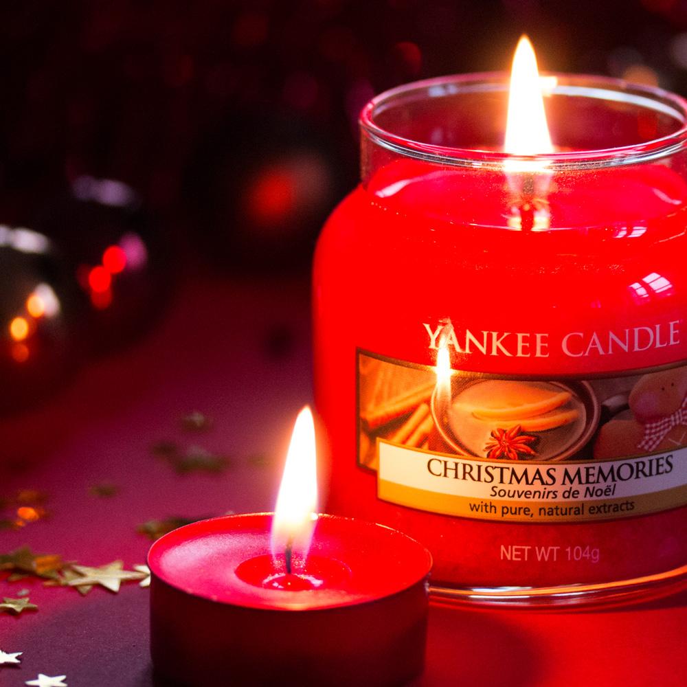 Zoom sur la bougie Christmas Memories Yankee Candle, mon avis sur ce parfum dans cette revue