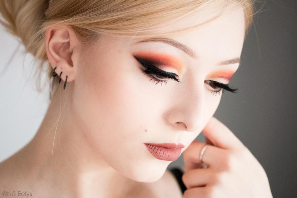 Maquillage réalisé avec la palette Orb of Light de Black Moon Cosmetics et avec le rouge à lèvres Libra (New, Worm, Harvest, Blood, Black)
