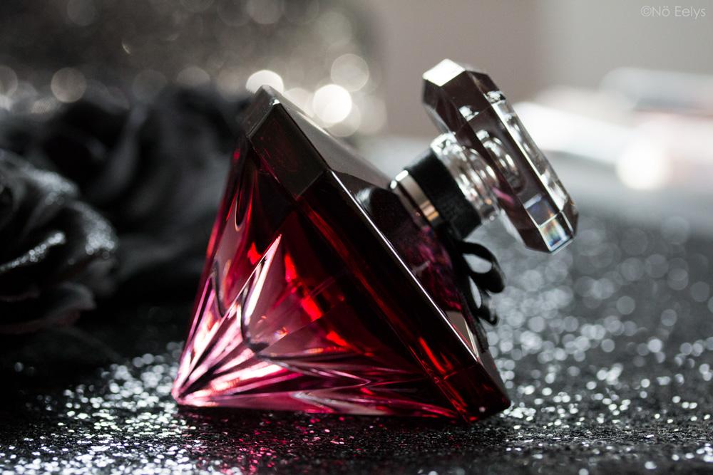 Packaging diamant de La Nuit Trésor à la folie, eau de parfum Lancôme