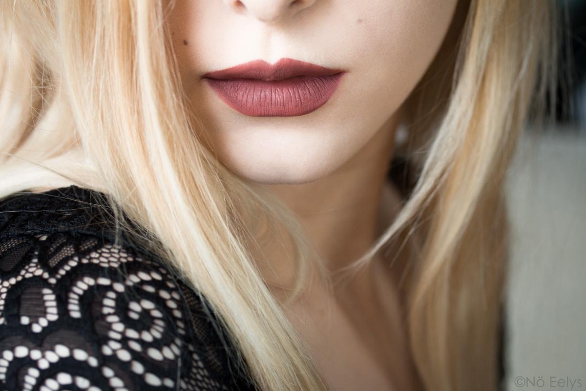 Revue Kat Von D Lolita Lipswatch, swatch du Everlasting Liquid Lipstick Lolita