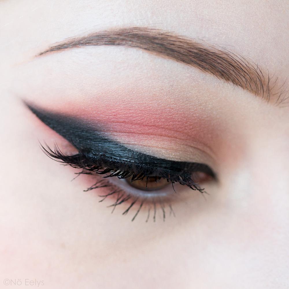 Blush Lolita, maquillage fard à paupière et revue du coffret Lolita Obsession Kat Von D beauty