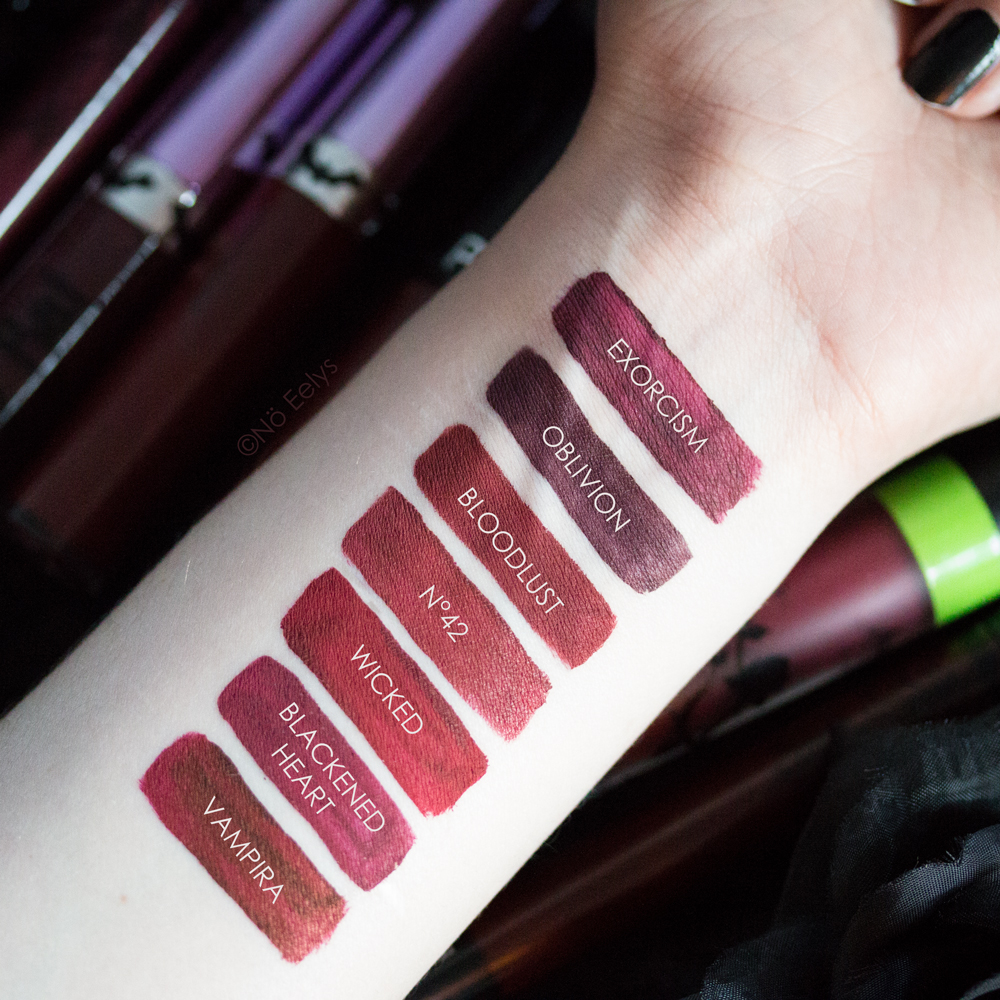 Swatchs comparés sur peau : KVD beauty Exorcism vs Baby Bat Beauty Oblivio vs Bloodlust vs Sephora 42 vs Limecrime Wicked Makeup Monsters Blackened Heart vs Kat Von D beauty Vampira swatches