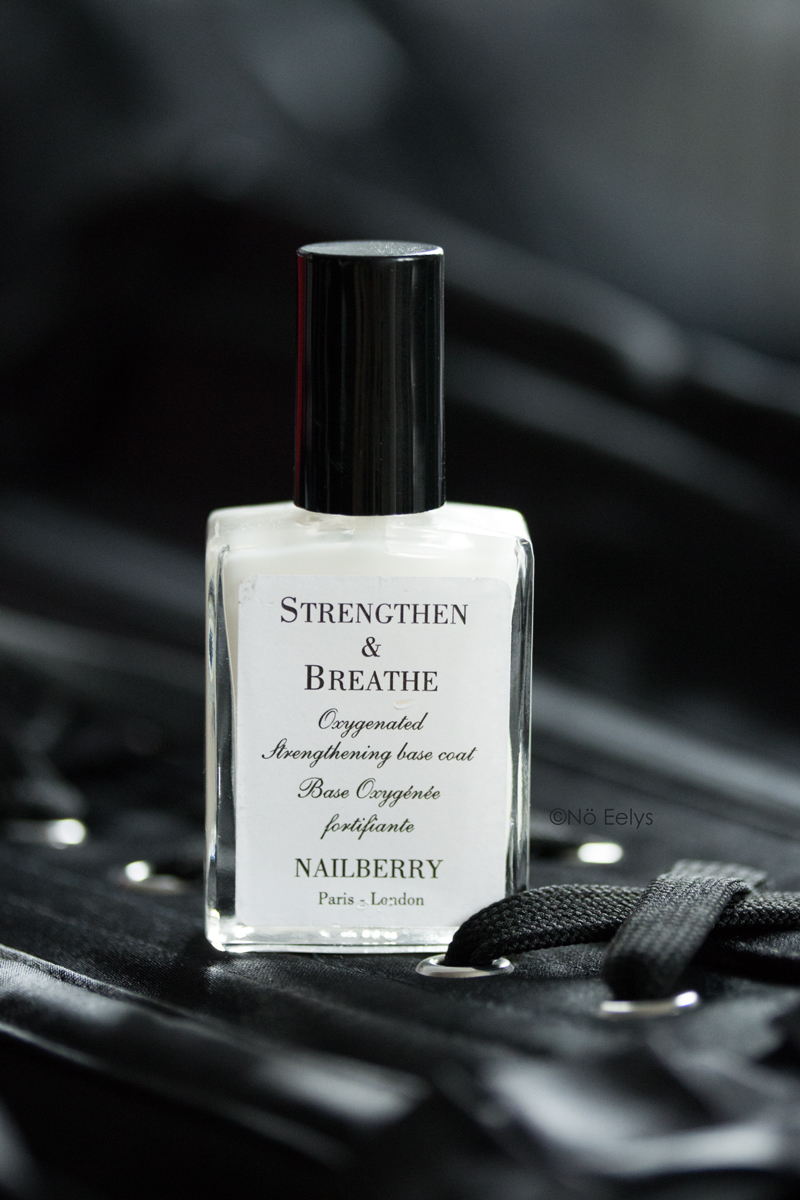 La base Strengthen and Breathe de Nailberry, base de vernis naturelle vegan et cruelty-free