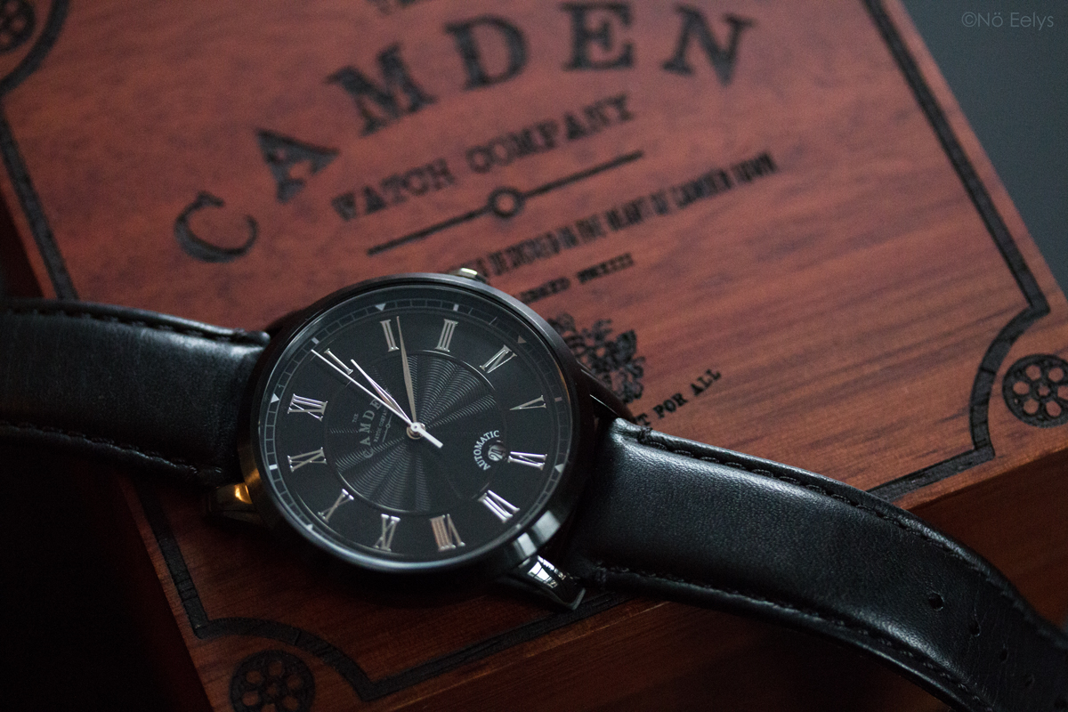 The Camden Watch Company No.29 Black and Black Automatic (full black), montre noire automatique