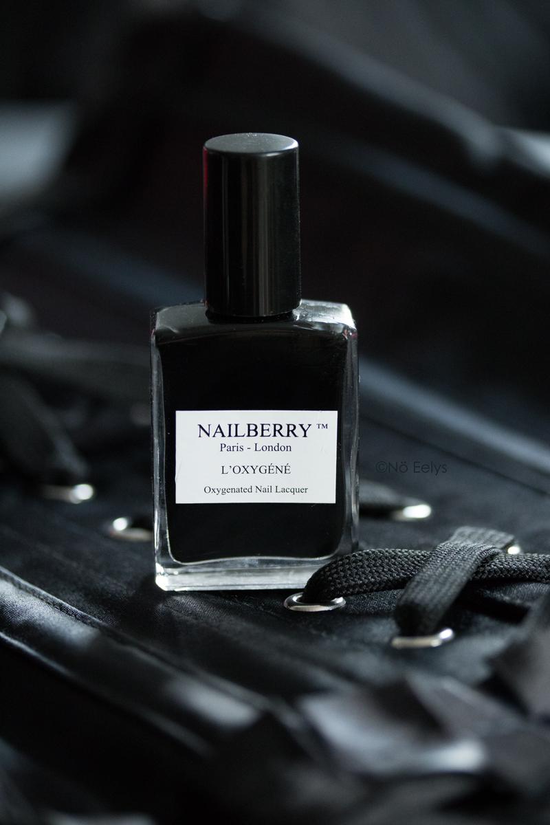 Le vernis Black Berry de Nailberry, vernis noir naturel vegan et cruelty-free