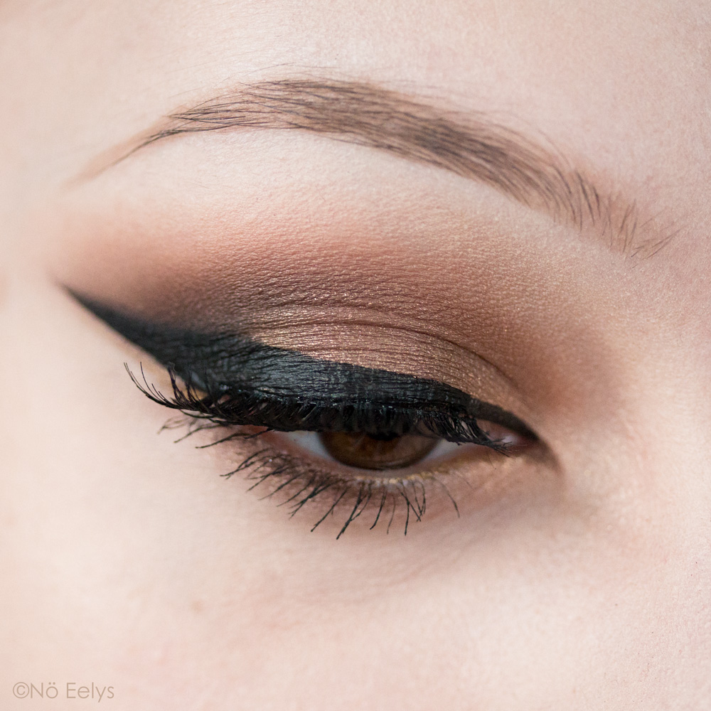 Urban Decay Born to Run maquillage smokey eye nude bronze avec les fards Stranded et Smog