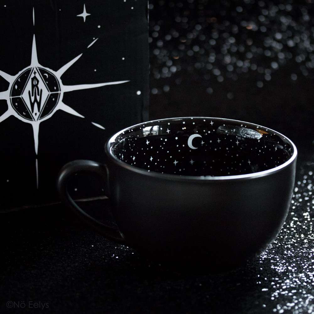 Midnight Mug Rogue + Wolfe mug gothique carré