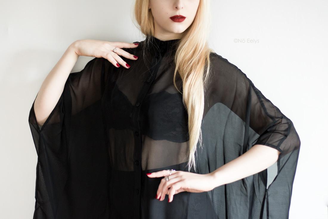 Killstar Starchild Batwing Blouse chemise noire transparente chauve souris Avis Le Boudoir de No Eelys blog gothique