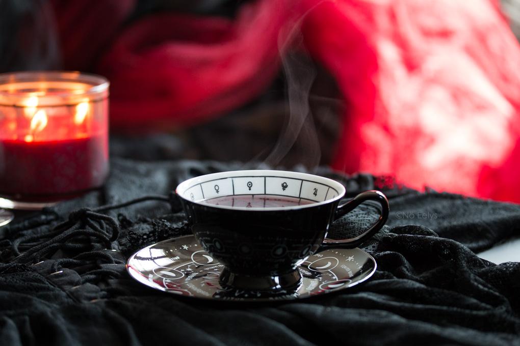 Killstar Cosmic Tea Cup mon Avis tasse thé gothique astrologique noire Le Boudoir de No Eelys blog gothique