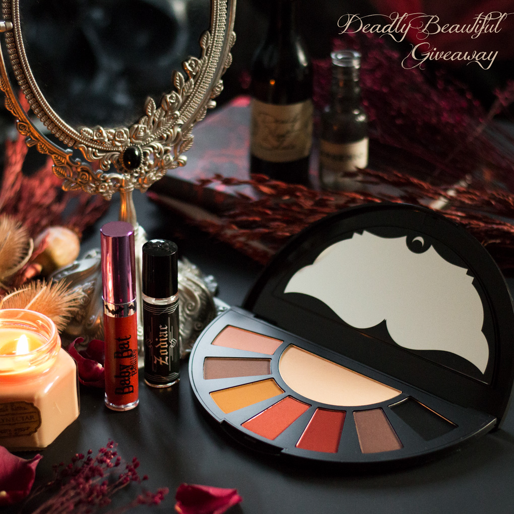 Giveaway d'Automne, Lot 1 Deadly Beautiful : Zodiac Perfume Oil Burke & Hare Co, , Cosmic Tea Cup Killstar, Orb of Light eyeshadow palette Black Moon Cosmetics, Persephone Baby Bat Beauty - concours alternatif gothique Le Boudoir de Nö