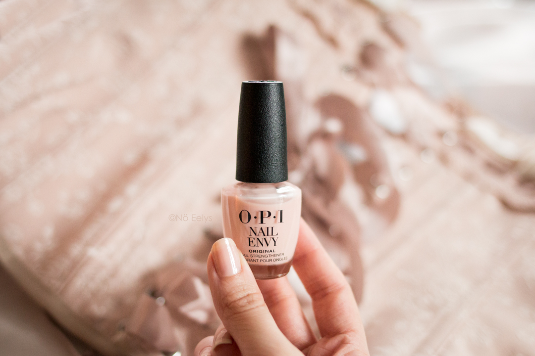 OPI Nail Envy Color Bubble Bath avis et swatch, vernis à ongles fortifiant coloré
