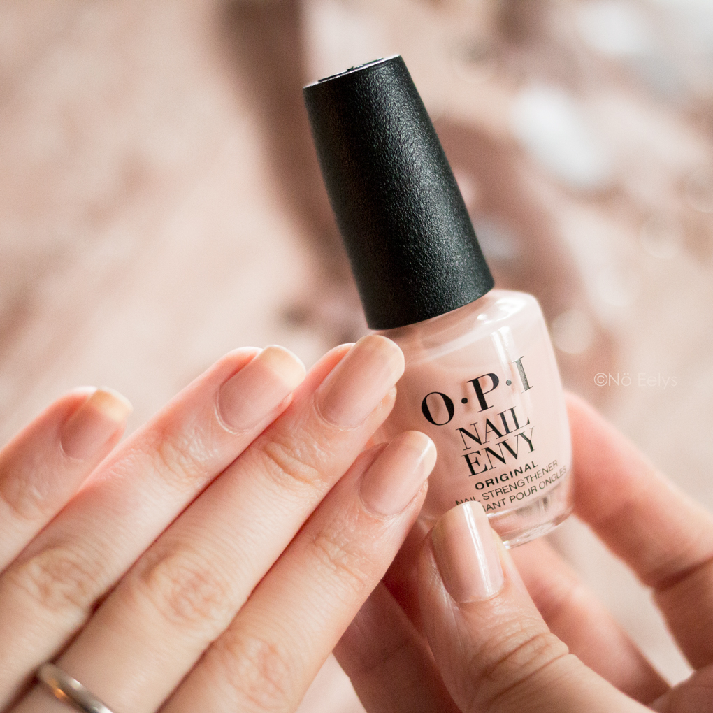 OPI Nail Envy Color Bubble Bath avis et swatch, vernis à ongles fortifiant teinté nude