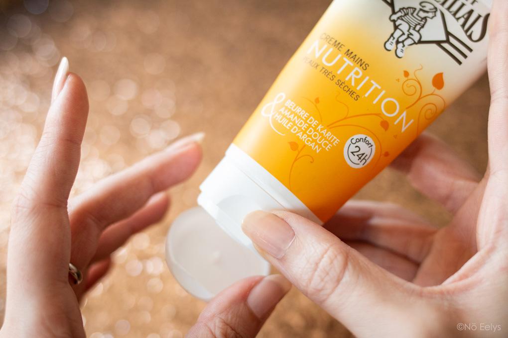 Avis crème pour mains nourrissante peaux très sèches Le Petit Marseillais (application)