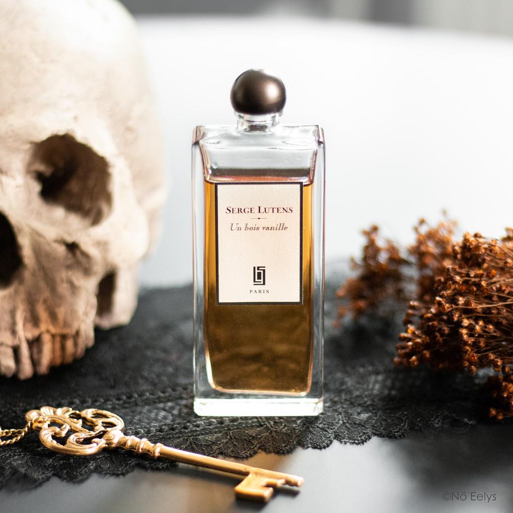 Mon avis sur le parfum Un Bois Vanille Serge Lutens (revue complète, avis détaillé, notes olfactives)