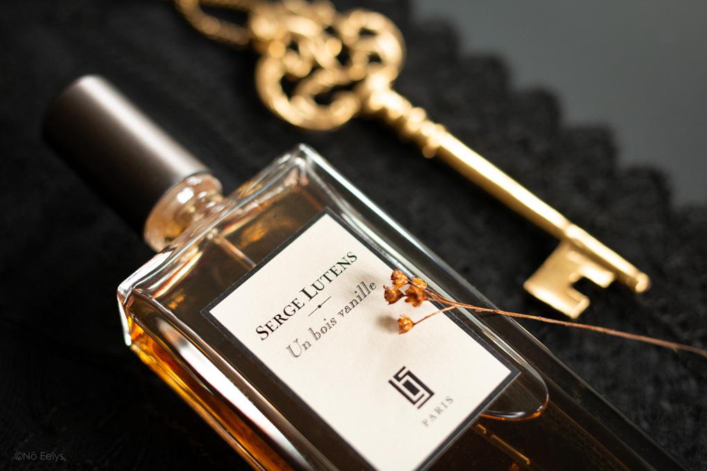 Mon avis sur l'eau de parfum Un Bois Vanille Serge Lutens (revue complète, avis détaillé, notes olfactives)
