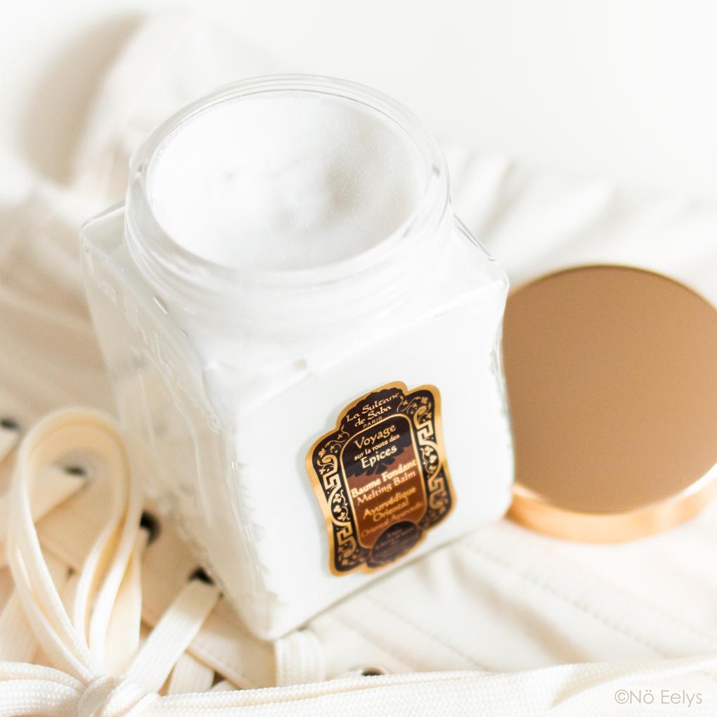 Texture et application du Baume Fondant Bio Ayurvédique La Sultane de Saba, parfum Sur la Route des Epices Vanille Ambre Patchouli (avis, revue complète)