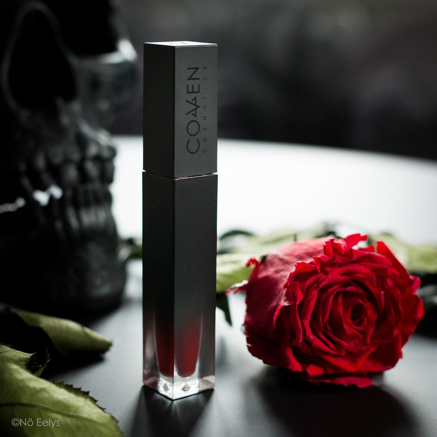 Le packaging des rouges à lèvres Coven Cosmetics (teinte Vampir), mon avis
