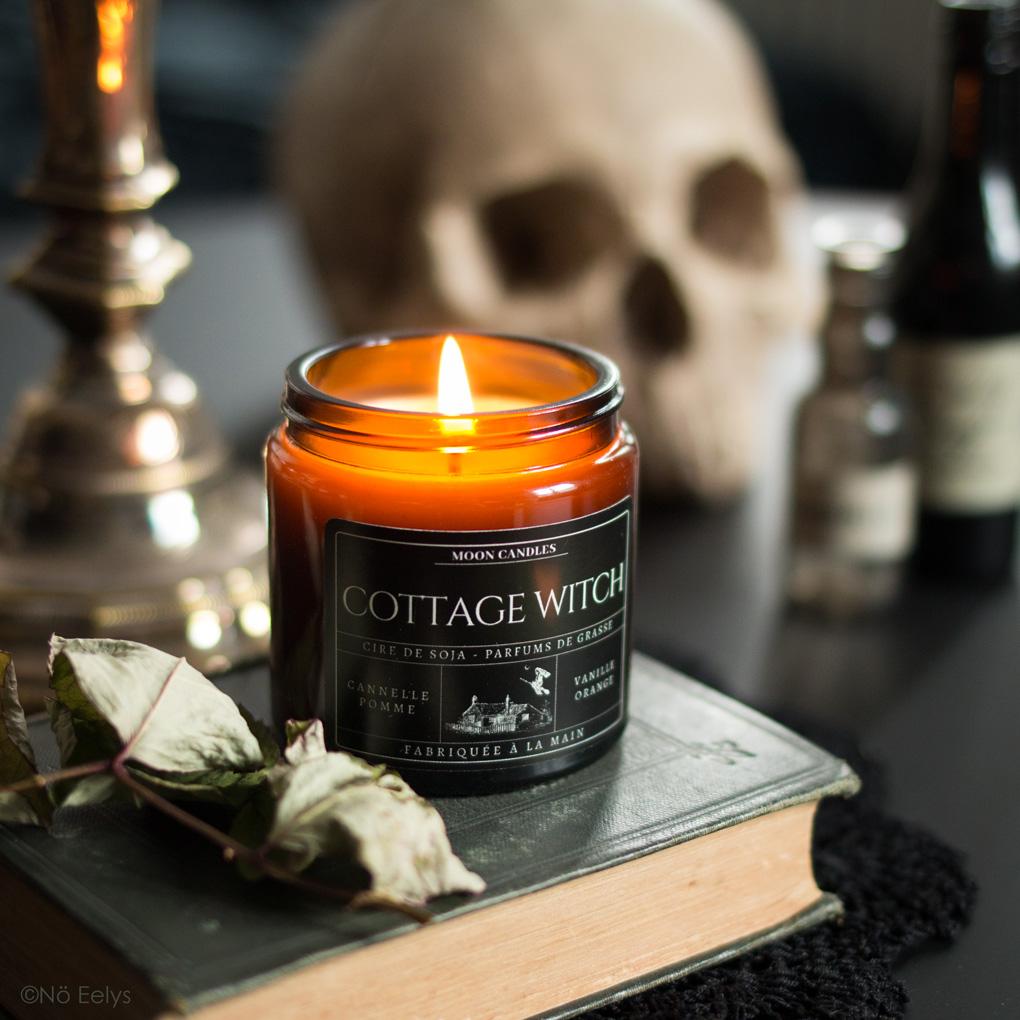 Mon avis sur la bougie Cottage Witch Noctis Candle Company (bougies gothiques vegan et cruelty-free)
