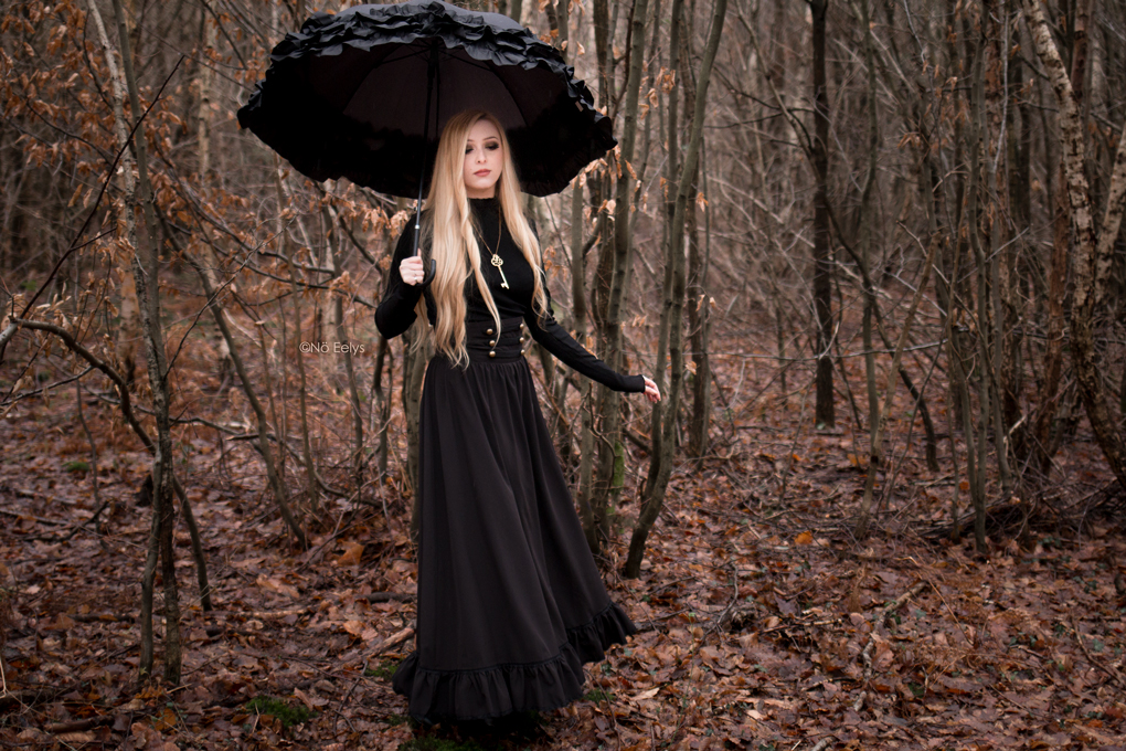 Mon avis sur la jupe Scarlet Darkness Woman Pioneer Prairie Dress