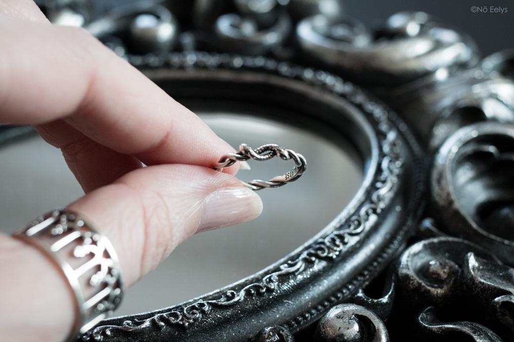 Bague Regalrose DEVISE Double headed snake twist ring, bague gothique romantique serpent entrelacés